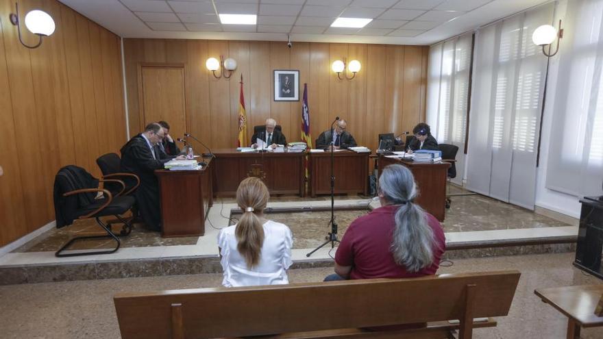 La fiscal mantiene la acusación contra la exdirectora de es Pinaret