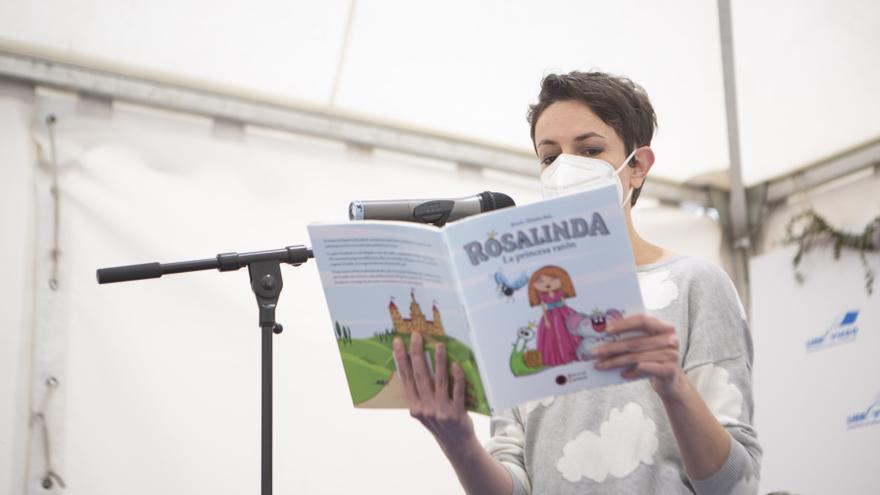 """""""Rosalinda. La Princesa ratón"""". Rocío Álvarez se lanza a la literatura infantil con un cuento """"para leer, cantar y poner voces"""""""