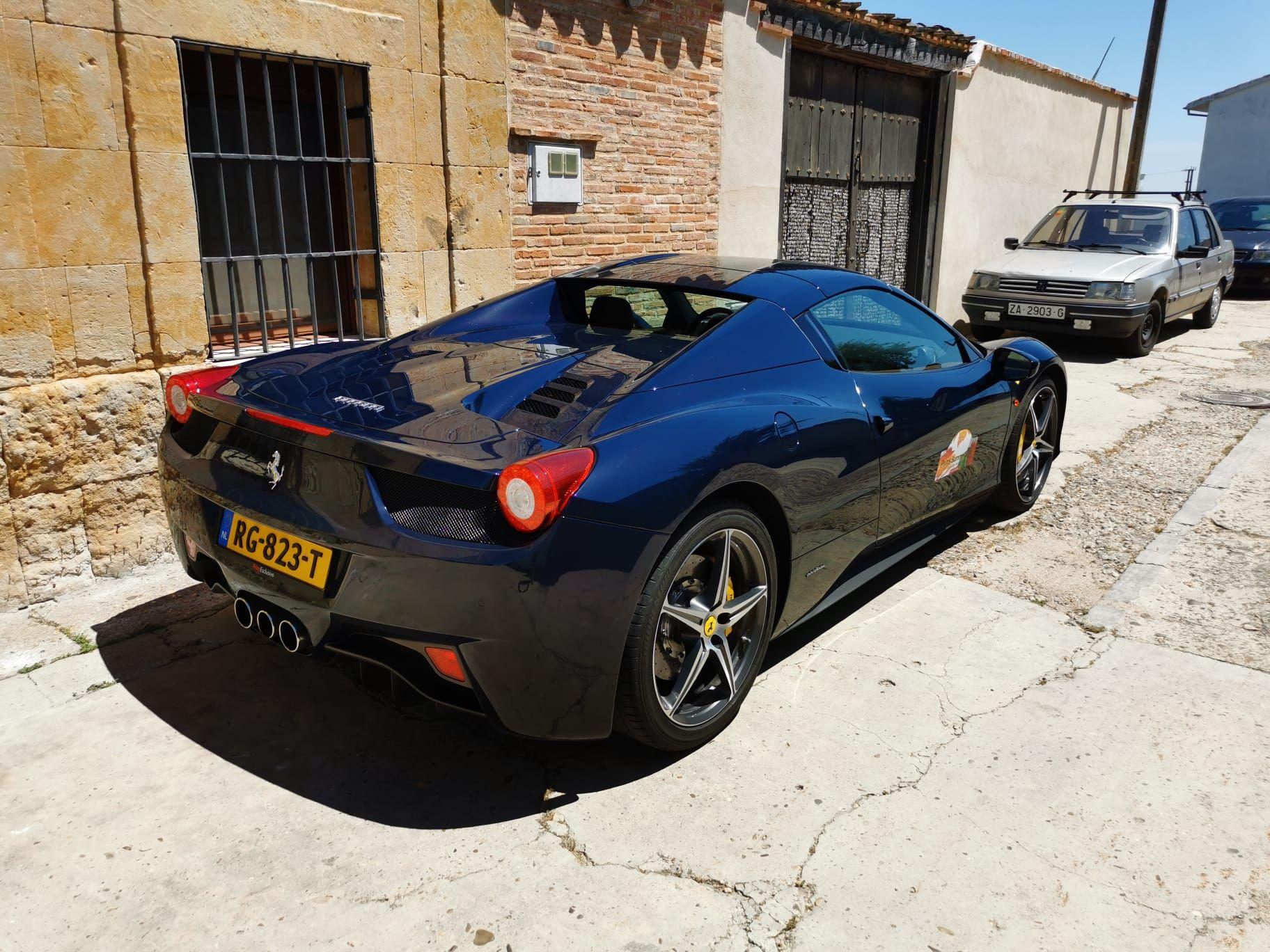 GALERÍA | Porsches, ferraris, lamborghinis de la Prins Summer Tour toman El Perdigón (Zamora)