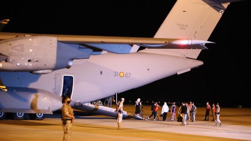 Aterra a Madrid el tercer avió amb evacuats de l'Afganistan