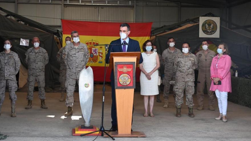 Sánchez visita a militares españoles de apoyo contra el yihadismo en el Sahel