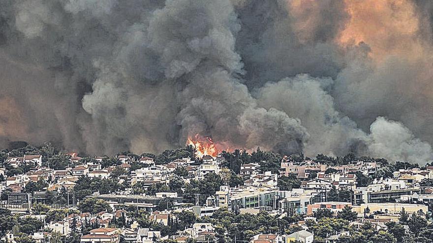 Crema el sud-est d'Europa enmig d'una onada de calor històrica