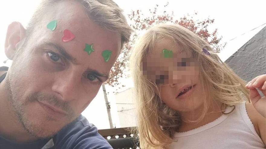 """El conmovedor gesto de Bruna, la hija de Álex Casademunt: """"Ahí está papá"""""""