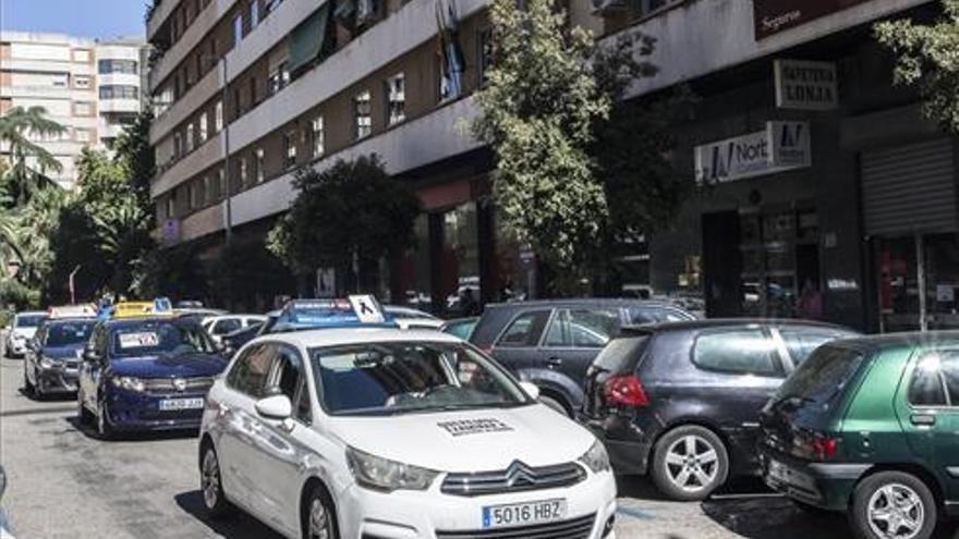 La huelga de examinadores deja en la estacada a 3.400 alumnos