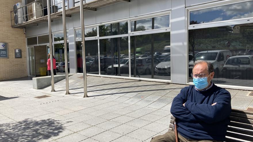 """""""He llamado hasta catorce veces y no he conseguido ver a mi médico"""":  los sierenses claman por la vuelta a la atención presencial en los centros de salud"""