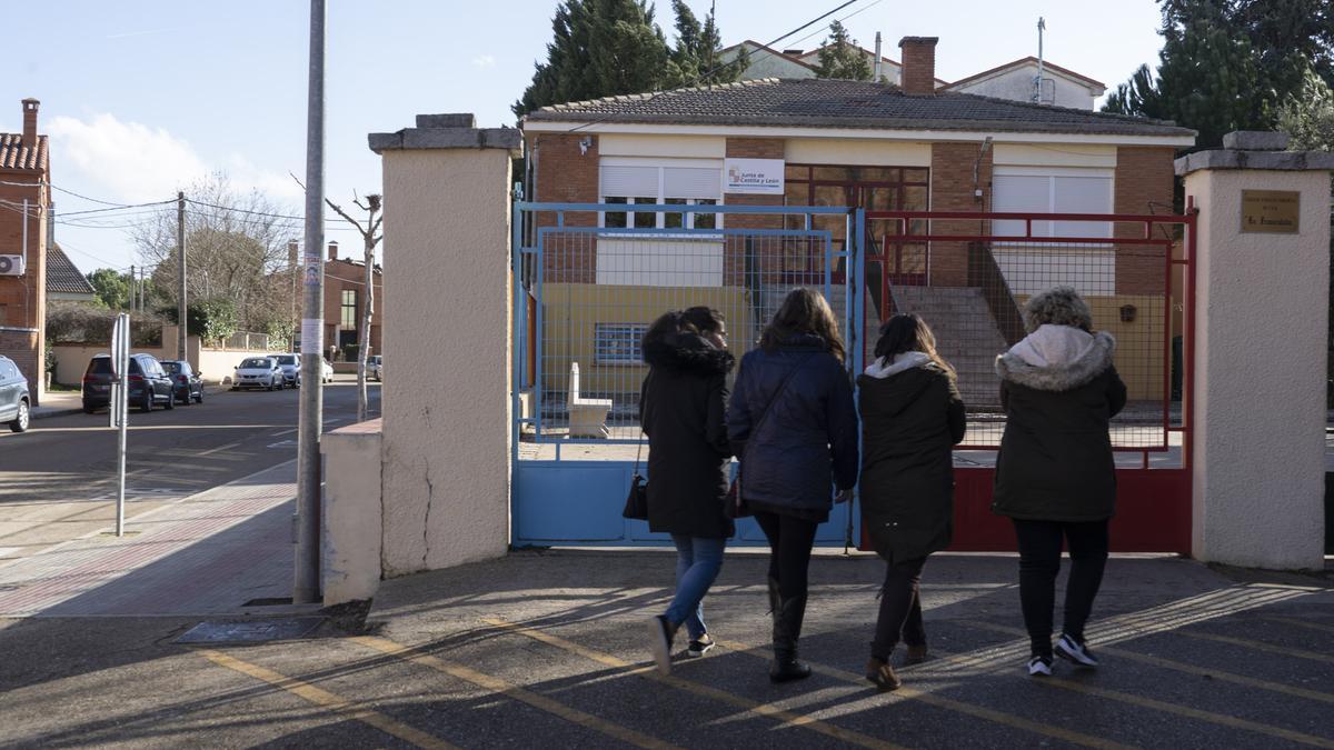 Colegio de Villalpando, donde estudian los niños del municipio.