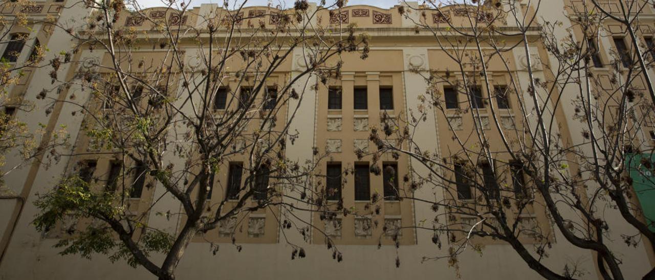 Fachada principal del edificio que albergó el cine Ideal.