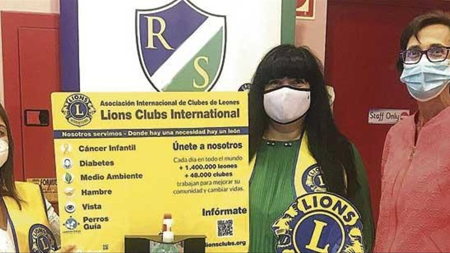 El Club de Leones dona dispensadores de gel