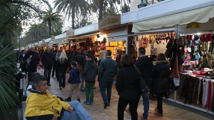 Los vendedores navideños del parque piden la exención total de la tasa y ayudas directas