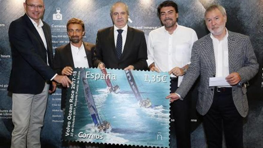 Recuerdo Un sello para la salida de la regata desde el puerto de Alicante