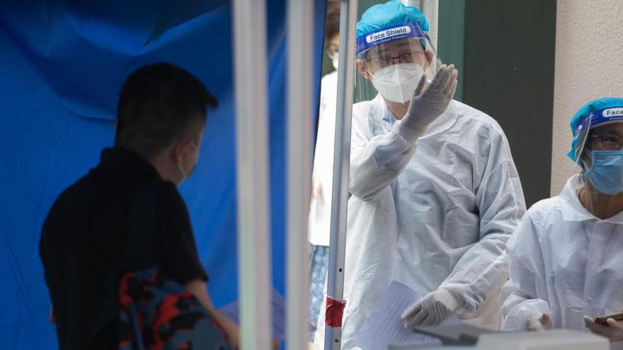 El govern d'Hong Kong regalarà 540 euros a tots aquells que donin positiu per coronavirus