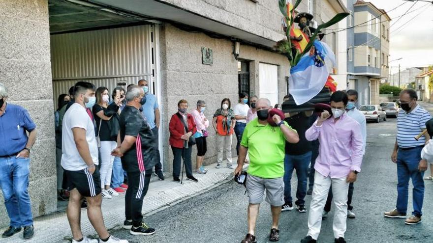 Solitaria procesión de Santiaguiño