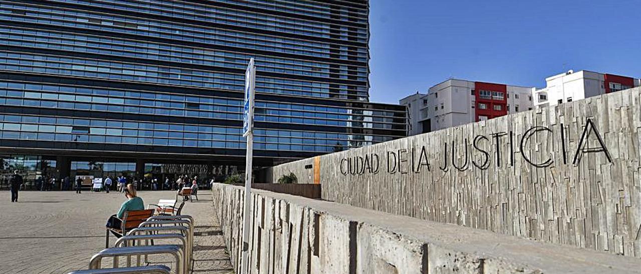 Imagen de la Ciudad de la Justicia donde será juzgado el acusado.     JUAN CARLOS CASTRO