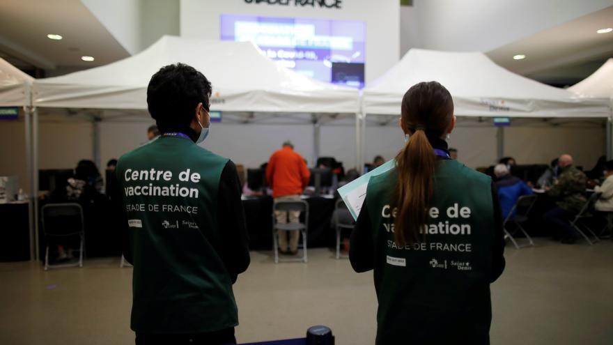 Investigan en París una misa de Pascua sin medidas sanitarias