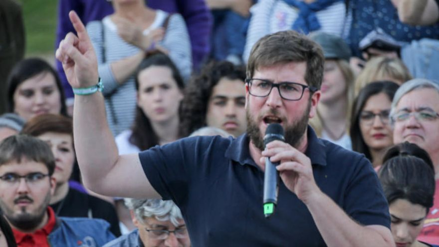 Urbán reprocha a Podemos que ya no pide el impago de la deuda