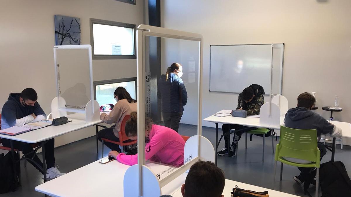Imagen de archivo de un aula de un instituto valenciano