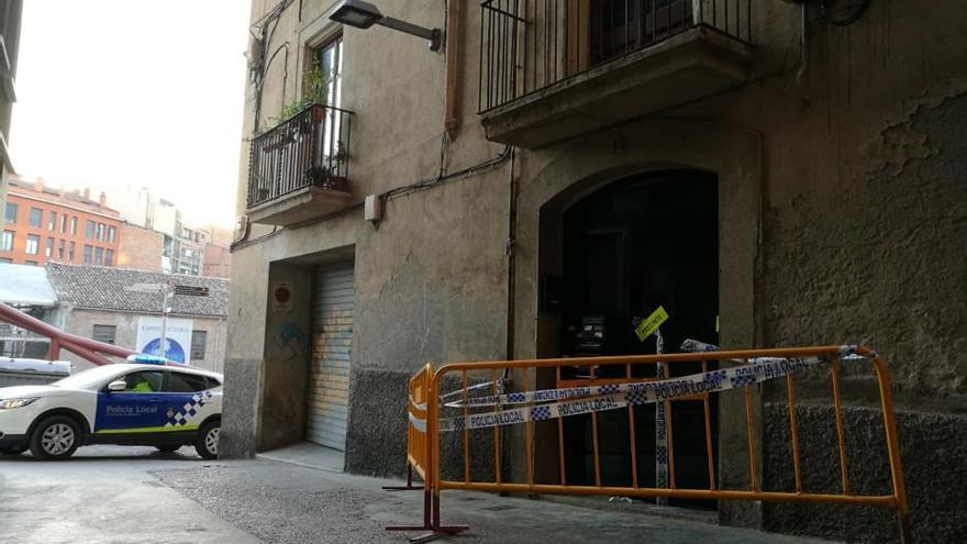 Els veïns de l'edifici desallotjat de Manresa no podran tornar a casa