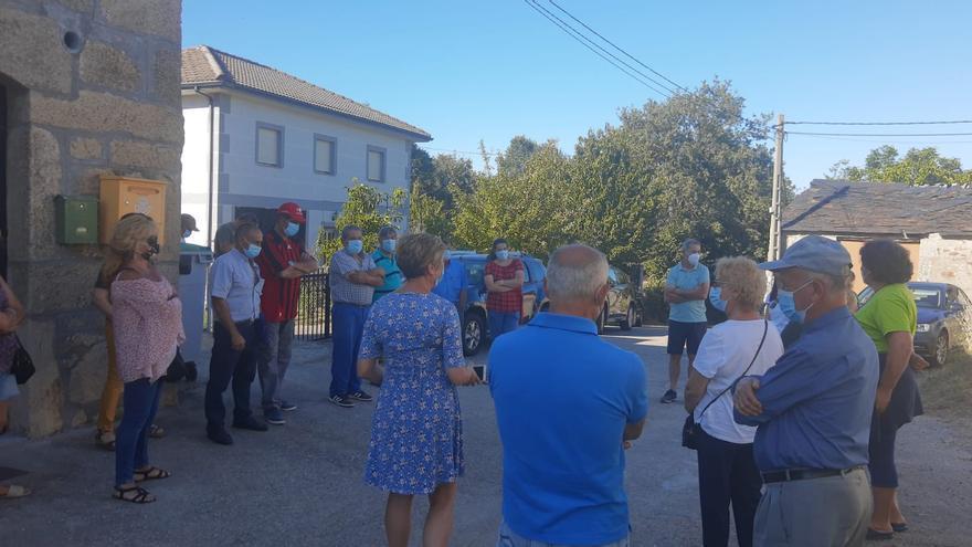 La empresa consultora de los parques eólicos de Cobreros realiza reuniones informativas con los vecindarios
