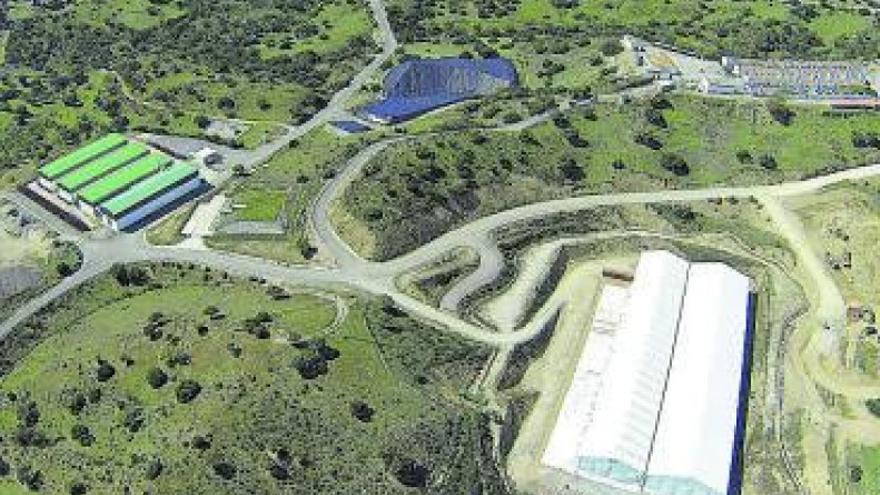 Los alcaldes se muestran prudentes ante la ampliación de El Cabril