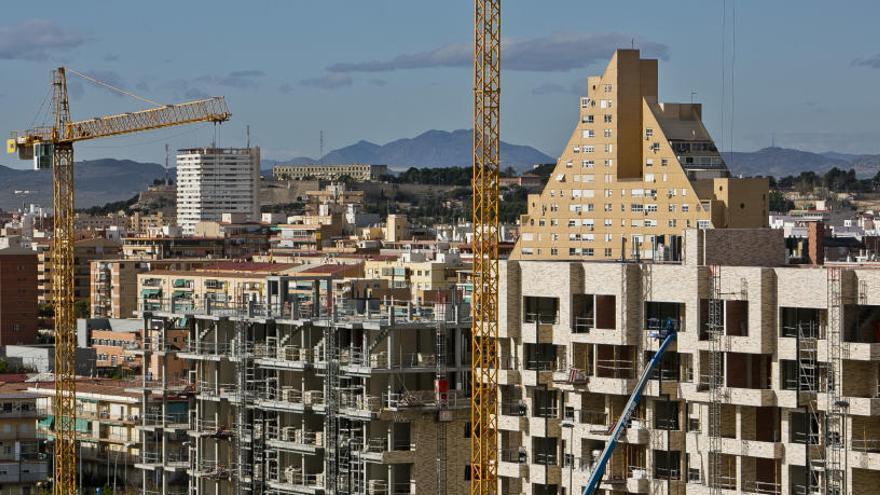 La compraventa de viviendas crece un 20,6% en Alicante