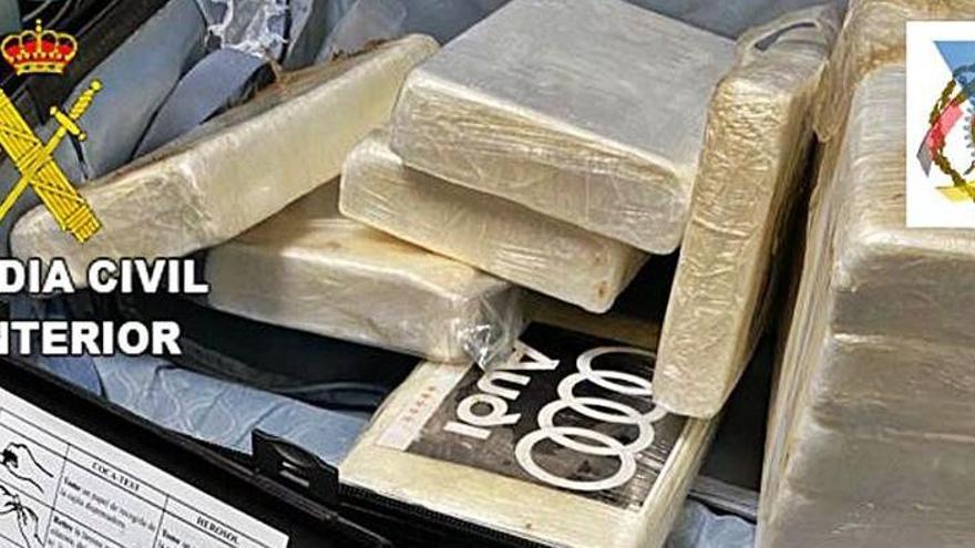 Hallan 200 kilos de cocaína entre café en contenedores del puerto de Las Palmas