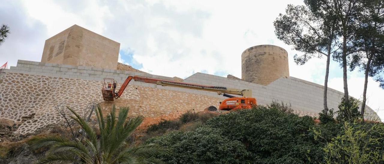 Uno de los últimos trabajos que se hicieron en el castillo antes de que se frenase la obra.