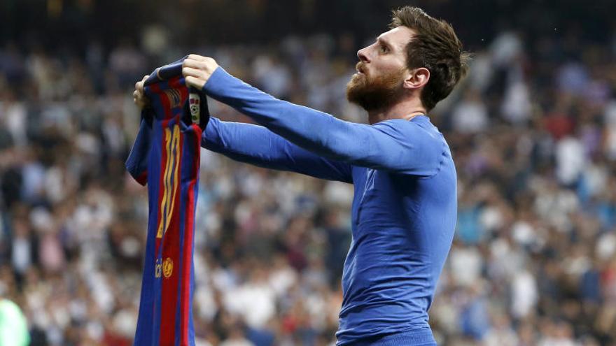 Messi s'endu el clàssic i el liderat