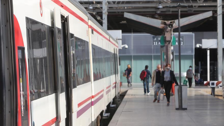 Renfe reduce dos semanas la oferta de trenes de Cercanías entre Alicante y Murcia por las obras del Corredor Mediterráneo