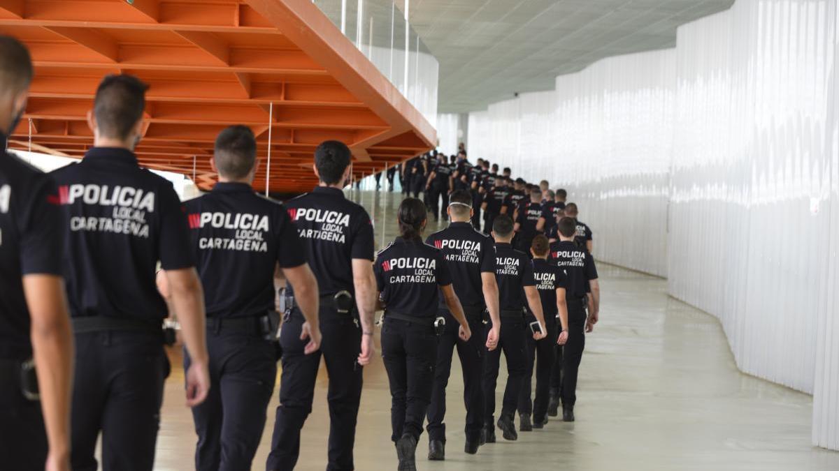 Agentes de la Policía Local de Cartagena que juraron su cargo hace poco.