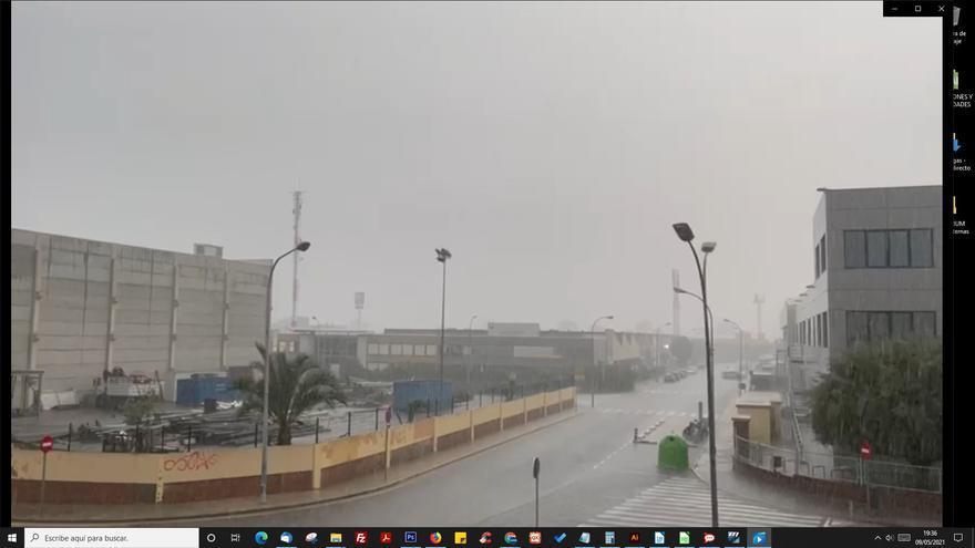 Tiempo en Valencia: cae una tromba de agua y granizo durante la tarde