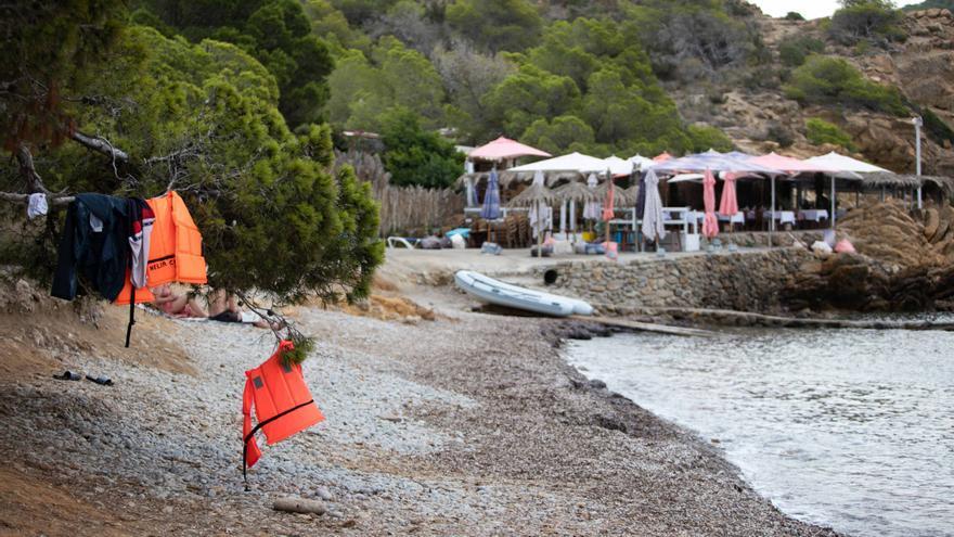 Una nueva patera llega a Ibiza con 13 migrantes a bordo