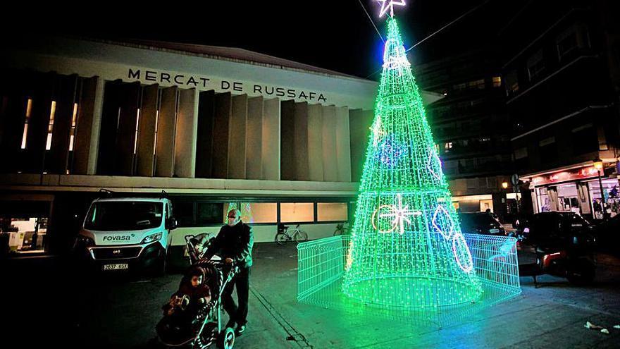 El ayuntamiento pone más iluminación navideña tras las críticas recibidas