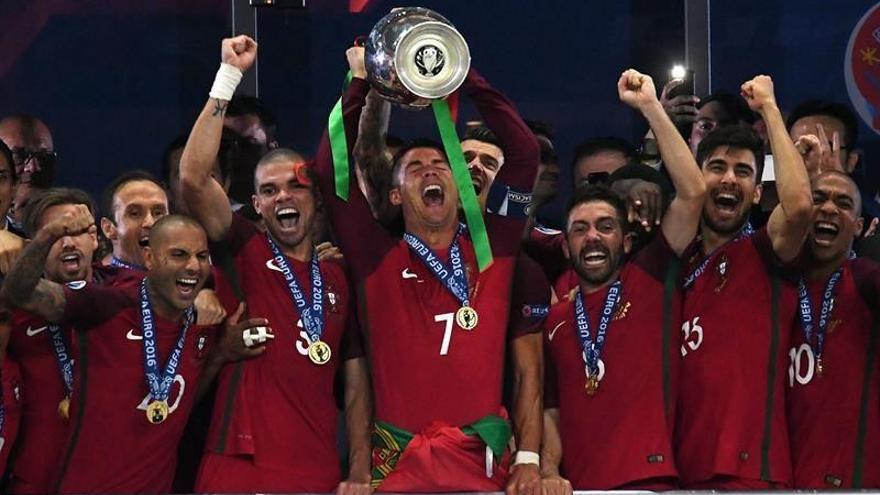 Un gol de Éder en la prórroga da el título de campeón a Portugal