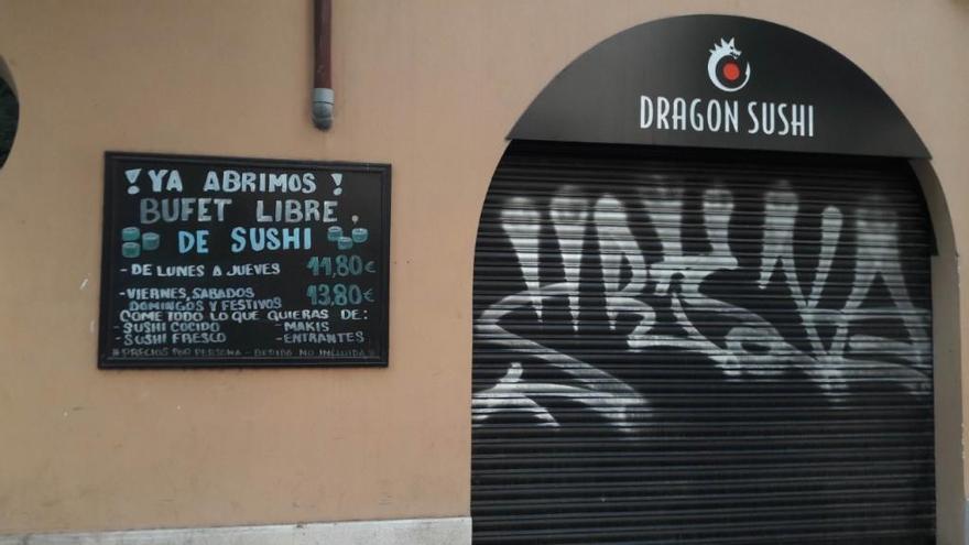 El Govern se persona como acusación contra el Dragon Sushi por la intoxicación por salmonelosis