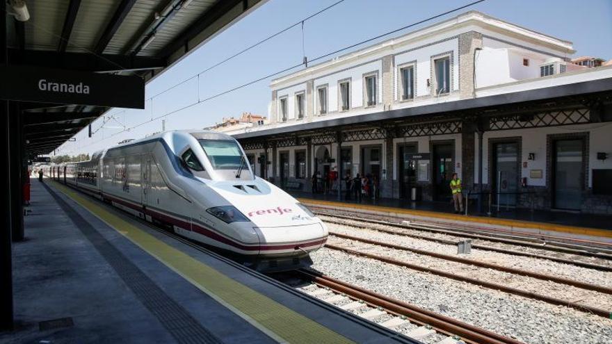 Una avería corta el tráfico en AVE entre Antequera y Granada y afecta a seis trenes