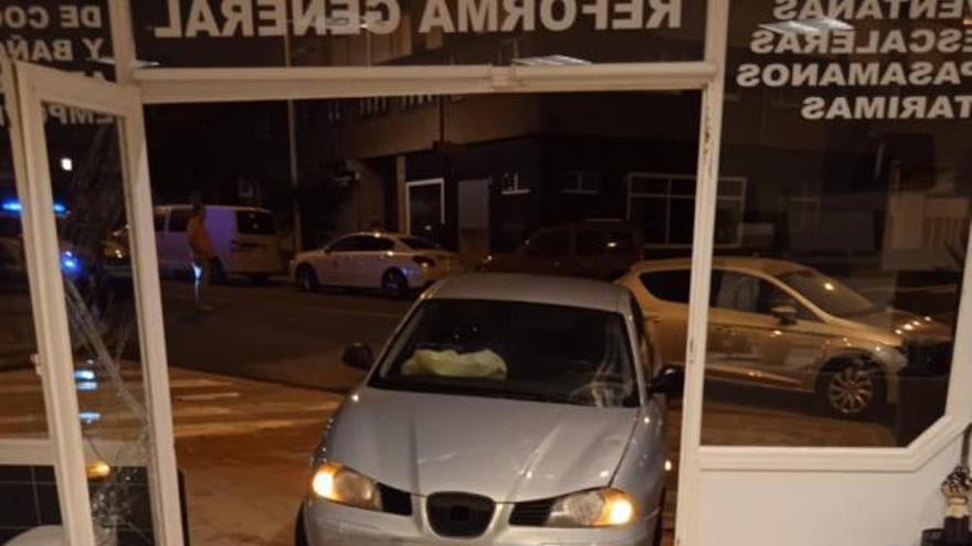 Estrella su coche contra un local en O Ventorrillo y da positivo en alcohol