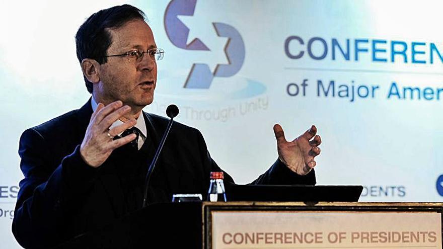 El conciliador Isaac Herzog presidirà Israel mentre Netanyahu esgota el mandat