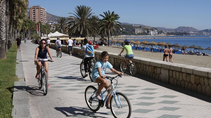 El Ayuntamiento de Málaga destina 200.000 euros al carril bici provisional del Paseo Marítimo de Picasso