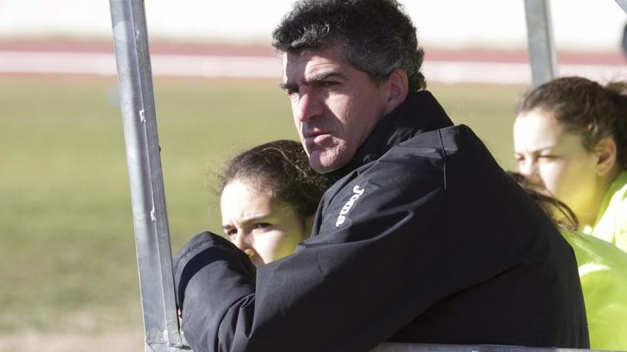 """Nacho Merino, entrenador del Amigos del Duero: """"En casa tenemos que dar guerra"""""""