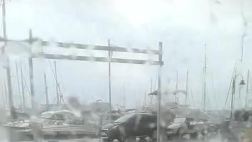 Un tornado deja daños en el Náutico de Burriana