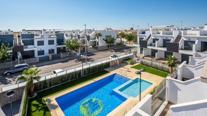 Elige cuál de estos pisos en venta en Pilar de la Horadada te gusta más