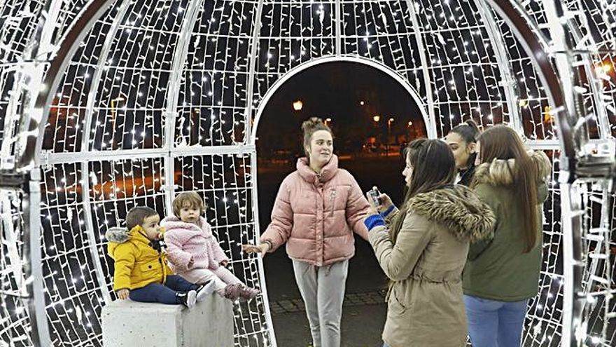 Las luces de Navidad se apagarán a las diez de la noche por el toque de queda