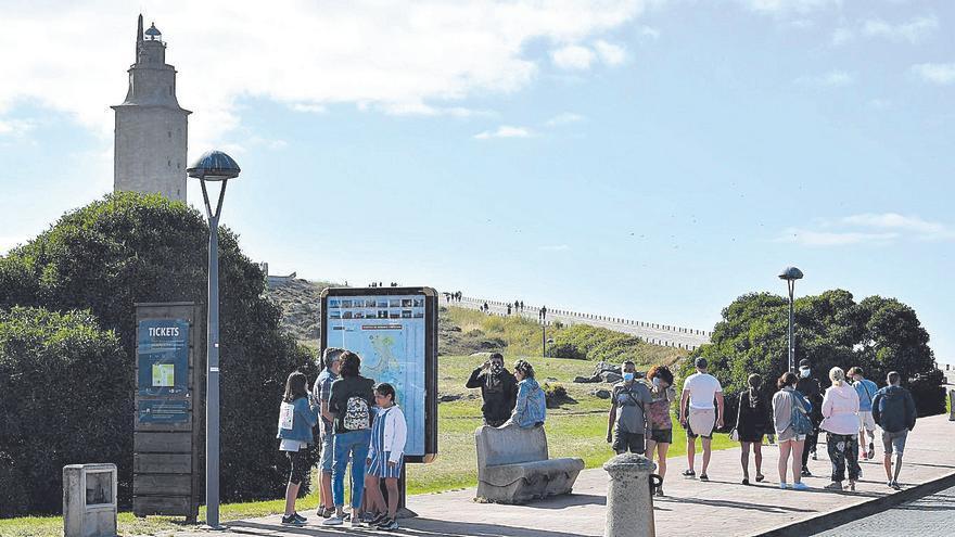 El turismo remonta en julio, pero con un 23% menos de visitas que en 2019