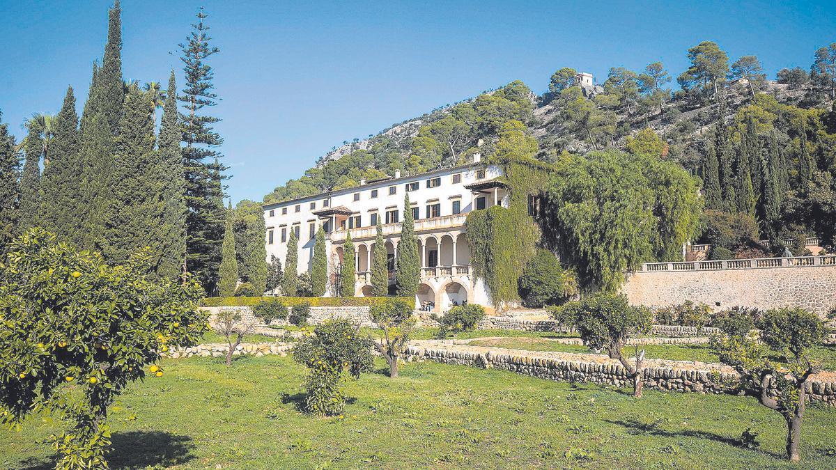 Vista de Raixa desde sus emblemáticos jardines, reconocidos en Europa.
