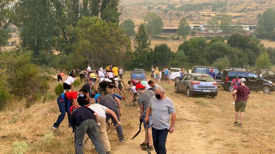 Iker Casillas, uno más de los centenares de voluntarios que ayudan en Ávila
