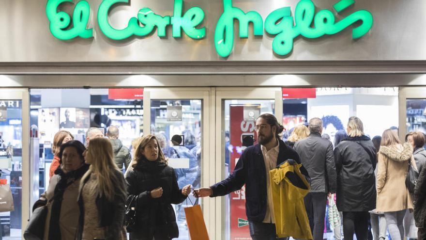 El Corte Inglés mantiene abiertas todas las áreas de alimentación y productos de primera necesidad