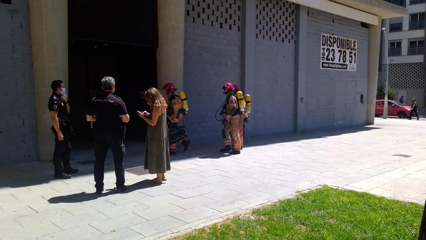 Incendio en un edificio situado junto a El Corte Inglés de Castelló