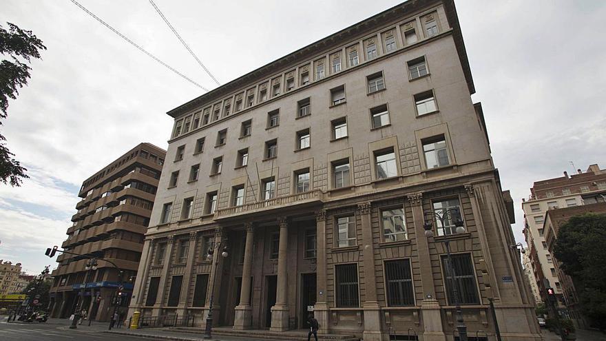 El Ayuntamiento encarga un estudio para comprar el antiguo edificio de Hacienda