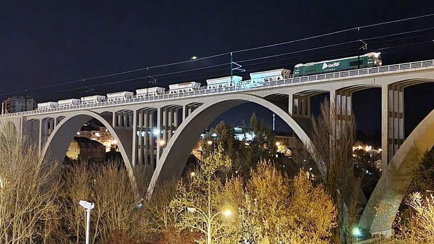 Adif finaliza las pruebas de carga en los viaductos del AVE a Ourense