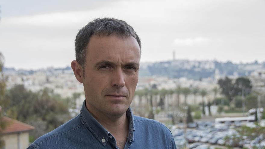 El corresponsal Mikel Ayestaran presenta su último libro en Casa Mediterráneo
